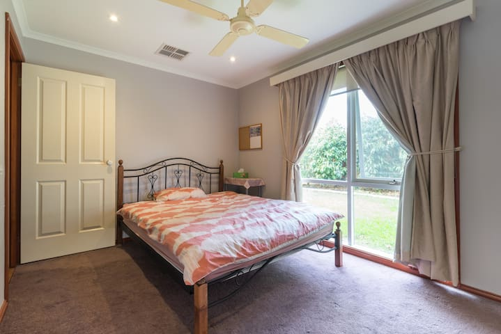 Room with Queen Bed - 2 - Frankston South - บ้าน