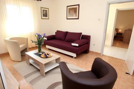 Apartment Melita***, Croatia, Trogir, Marina
