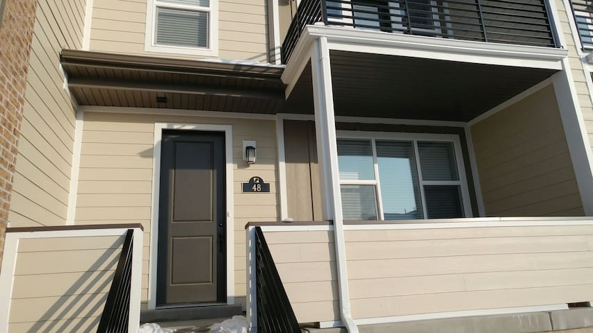 2 Bedroom Townhome - Farmington - Casa