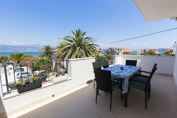 Apartments San - Three Bedroom Apartment with Sea View (A1)