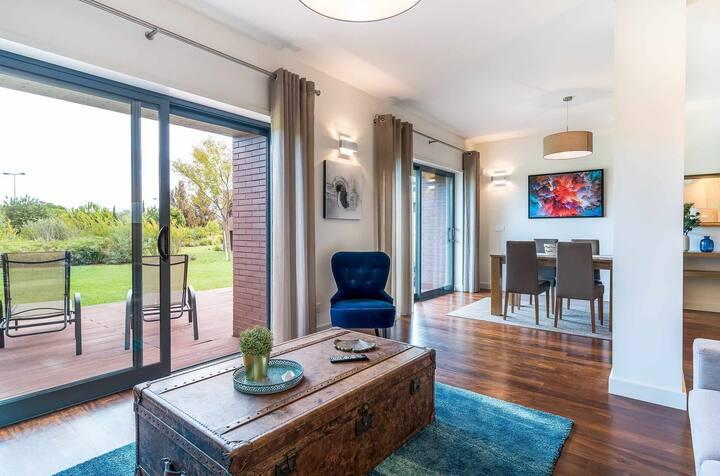 Vilamoura - Luxurious apartment in private condominium with swimming pool