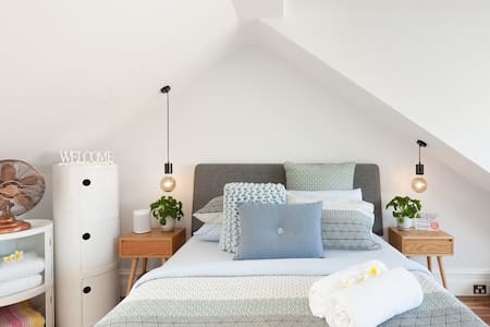 Luxury Surry Hills Bed & Breakfast - Guest Suite