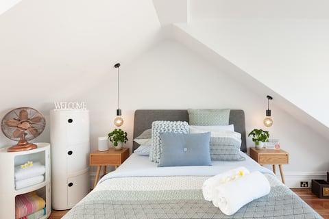 Luxury Surry Hills Bed & Breakfast - Guest Suite