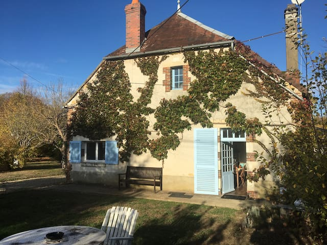 Charming 19th century burgundy cottage