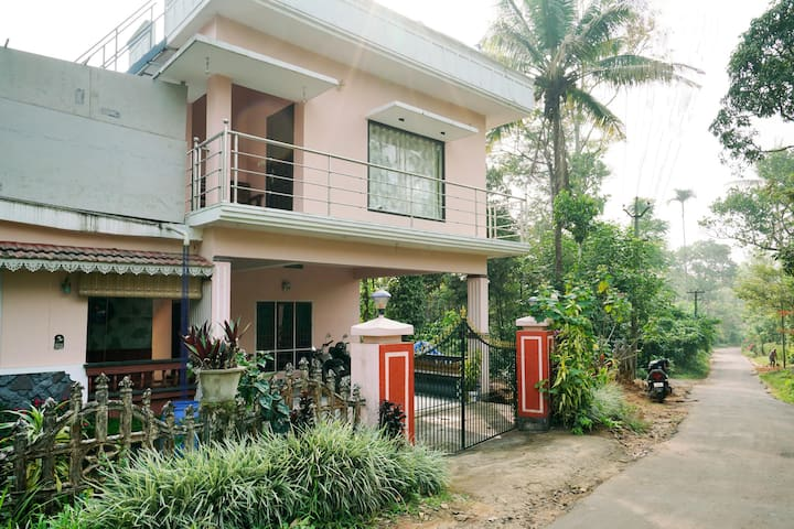 OYO - Best Deal! Well-Furnished 1BR Home, Anachal