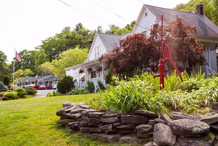 The Mount Battie Inn, Lincolnville - Camden