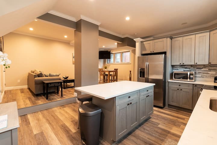 Renovated House Near Downtown Stadiums & The Strip