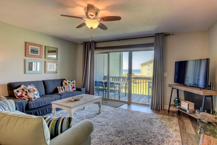 Topsail Island Condo - Renovated and Nice! Pool!