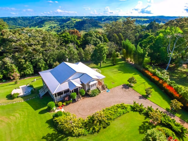 Mill Hill Cottage, a Montville Paradise!