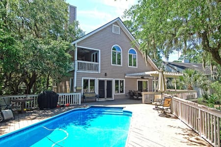 5BR Marshfront Home w/Pool & HotTub - Seabrook Island