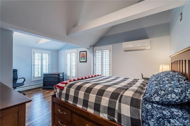 """2nd Floor Guest Bedroom - Full Size Bed w/ 65"""" Smart TV"""