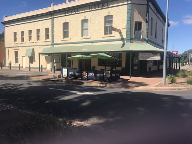 Royal Hotel Crystal Brook