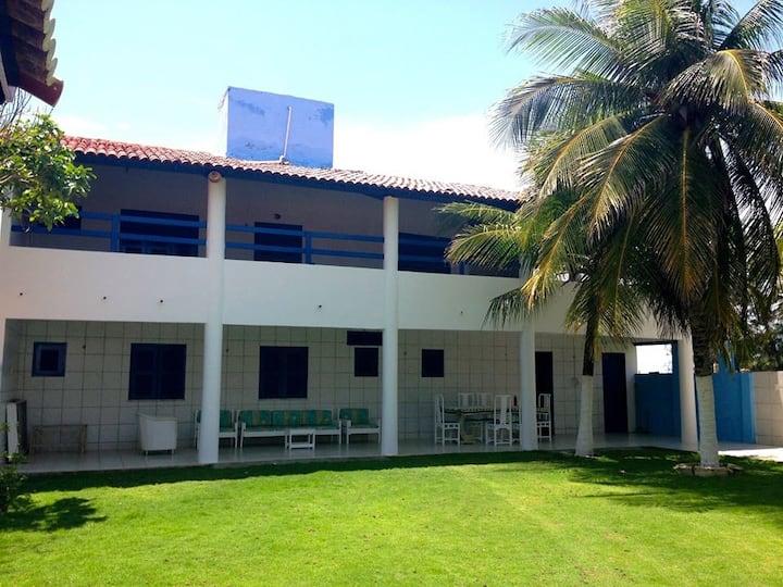 Ampla casa ao lado da praia - Morro Branco