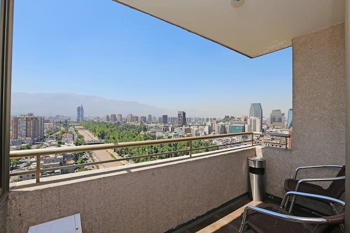 Fully Furnished Apartment with A/C Bellas Artes 3
