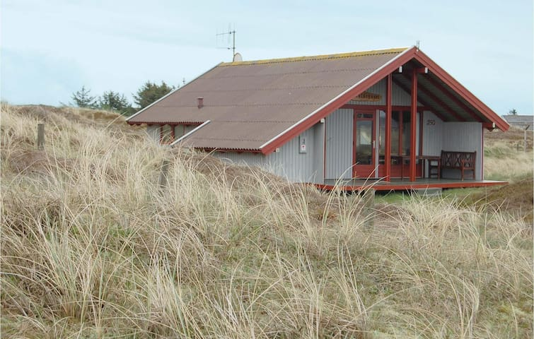 Holiday cottage with 2 bedrooms on 60m² in Hvide Sande