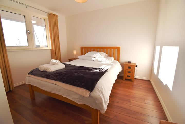 Shortletting by Centro Apartments - Campbell Sq MK - C9