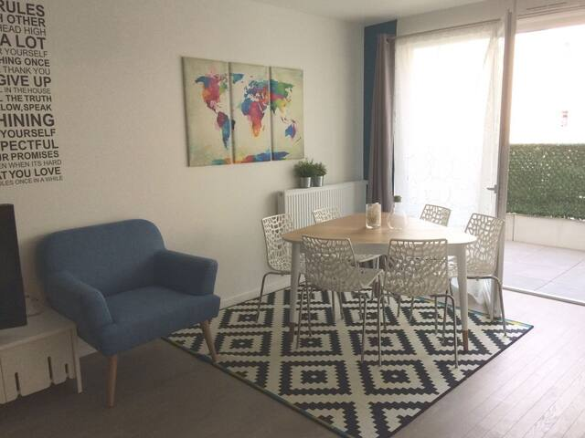 Spacious and lovely flat# balcony#La Défense#80m2