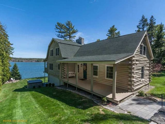 Beautiful Oceanfront Home - Harpswell