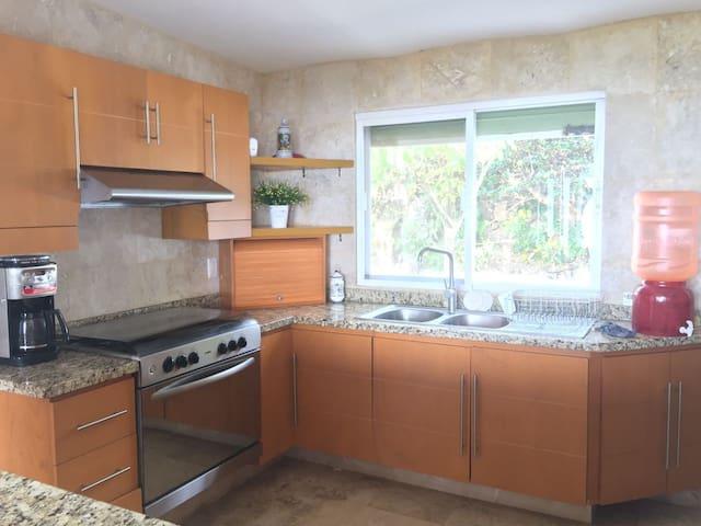 Casa en el lago de Chapala / ChapalaLakeside House - San Juan Cosalá - Ev