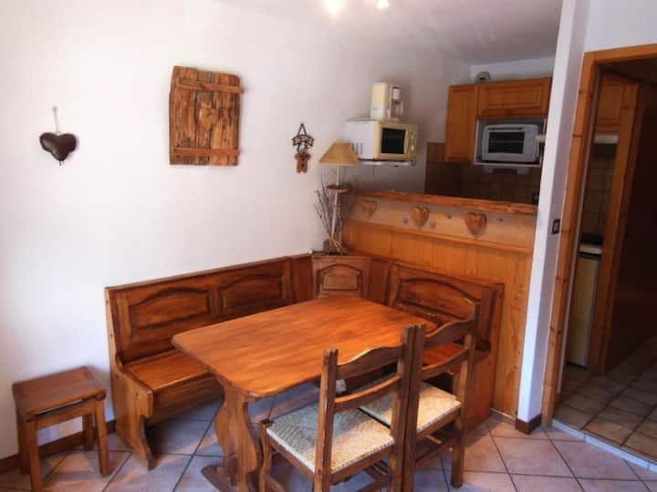 CHAMPAGNY - 5 pers, 27 m2, 2/1 - FR-1-511-104