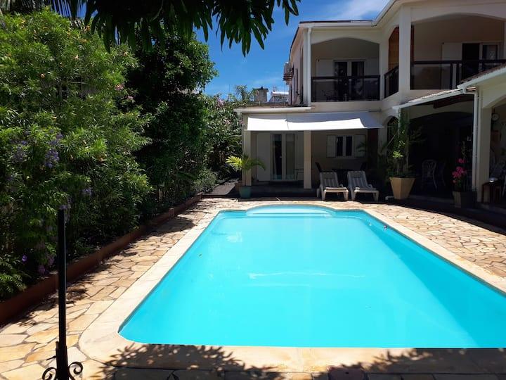 Charmante Villa en duplex avec piscine