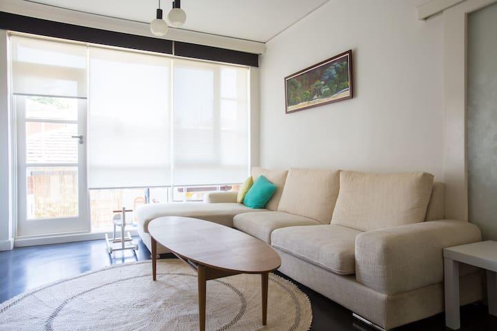 Modern 3 bdm apt in quiet street - Caulfield North - Apartemen