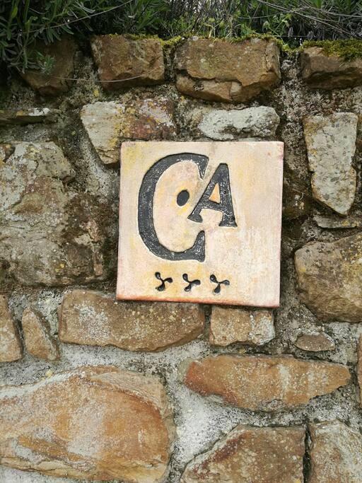 La Curuxa del Sueve posee la máxima distinción dentro de las casas de aldea en Asturias, los tres trisqueles.