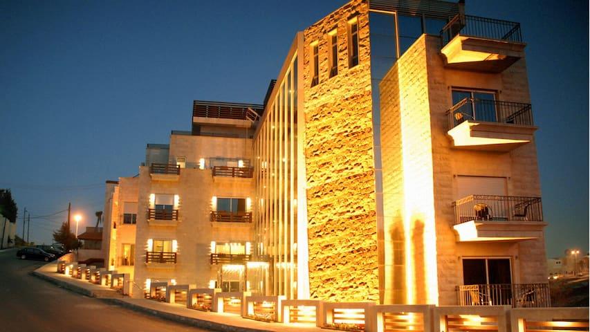 "Elegant Serviced  Studio Apartment in Abdoun ""A"""