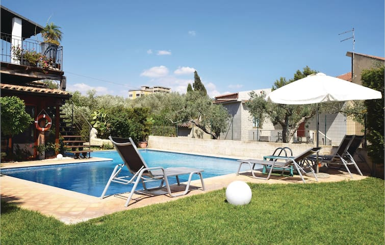 Holiday cottage with 4 bedrooms on 150m² in Comiso - Ragusa RG