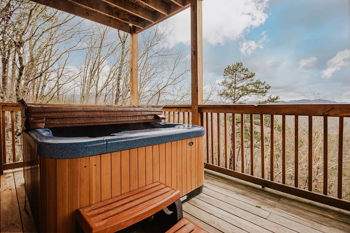 ⭐Rustic&Cozy Cabin|MNT.Views|HotTub|Game.Room⭐