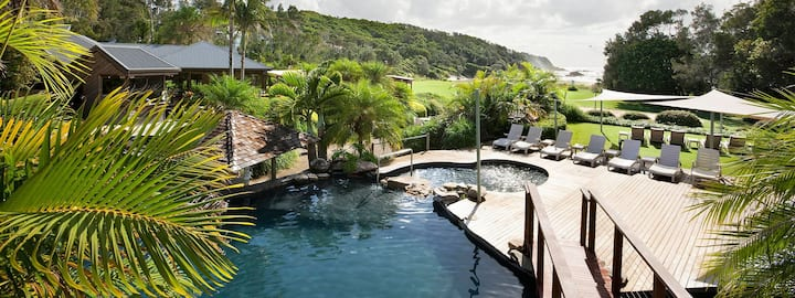 Poolside Resort Villa at Diggers Beach