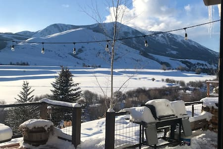 Spectacular Riverfront 4br/4bath Crested Butte