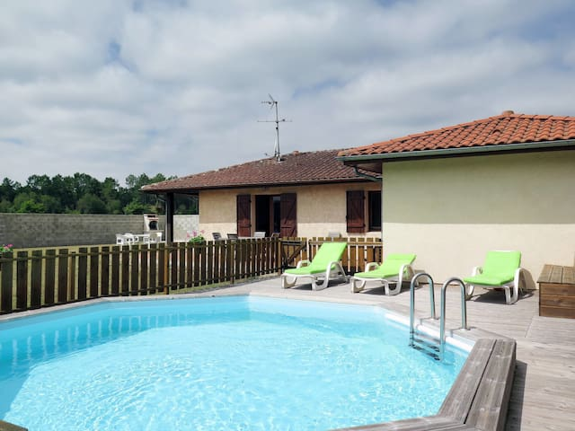 Holiday home in Lit-et-Mixe for 6 persons