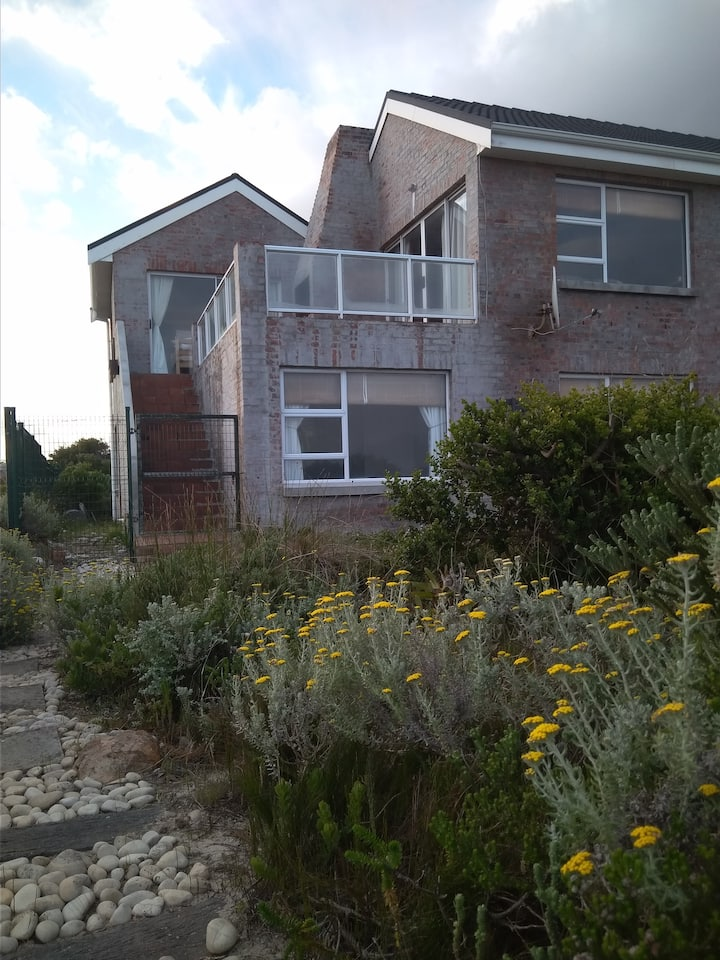 Betty's Bay Self-catering Home with a View