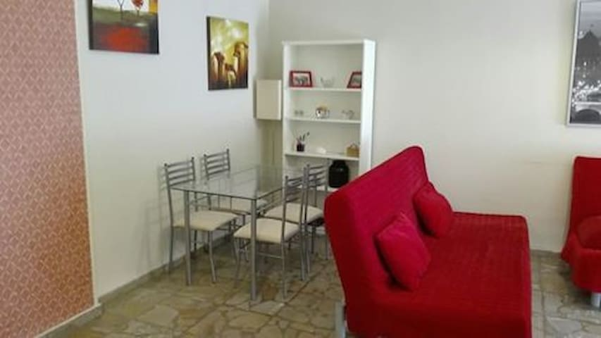 Beautiful warm apartment in the center of VOLOS.