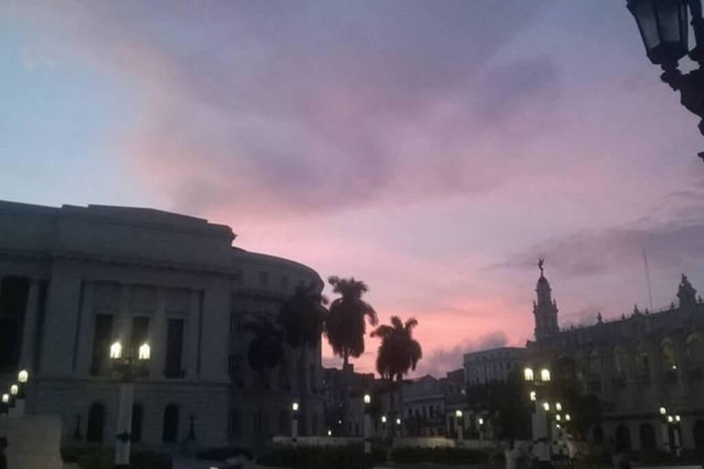 A unos pasos de nuestra casa el Capitolio.