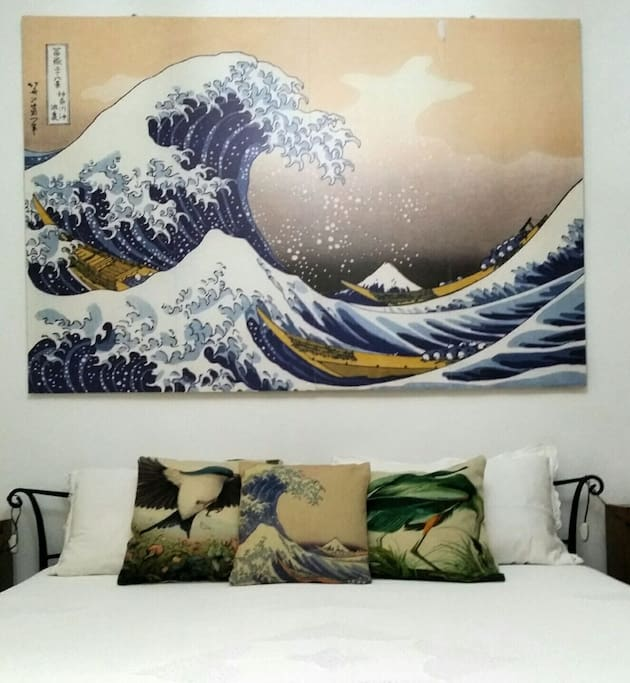 your bedroom, the Great wave, Hokusai