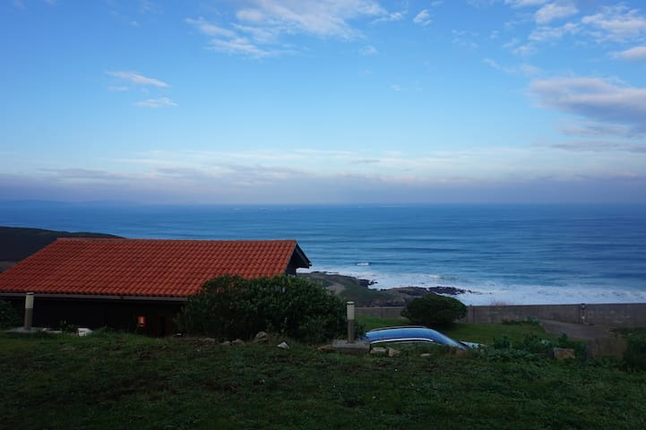 Bungalow with amazing sea views - Carballo - Bungalow