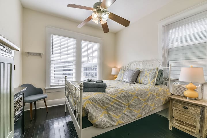 Guests love our clean fresh two bedroom unit.  We supply plenty of linens and are available if there's anything else you need.