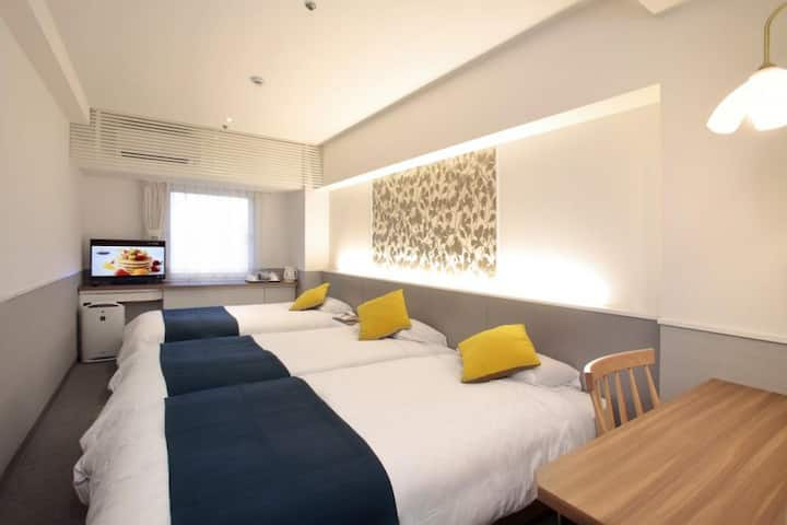 Best deal for 2 or more nights (3 pax) Close to Hankyu Juso Station 住宿2晚或以上最佳優惠(3人),靠近阪急十三站