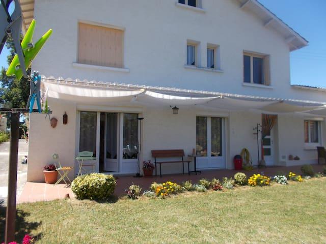 Logement indépendant chez particulier - Prayssac - Apartment