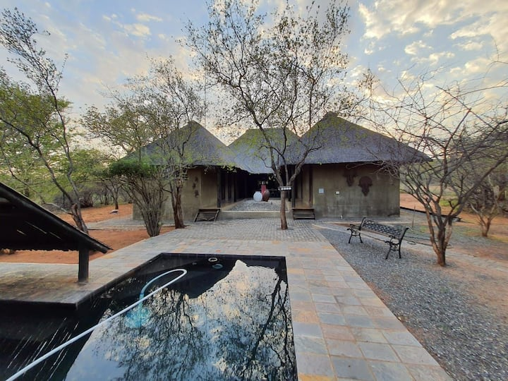 Lovely Bush Lodge for relaxation