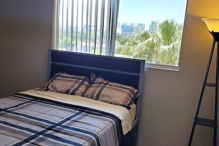 Private Room W/ Great View of Las Vegas Strip!
