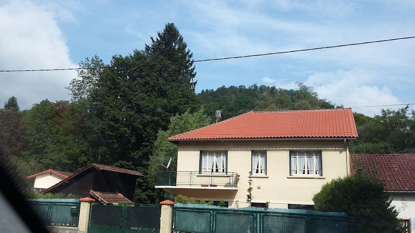 APPARTEMENT EN BORDURE DE RIVIERE
