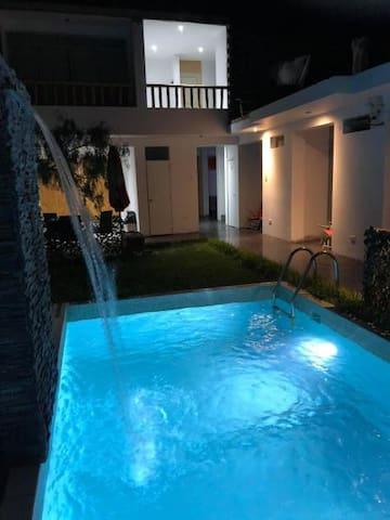 Paracas Guest House - Habitacion tres camas