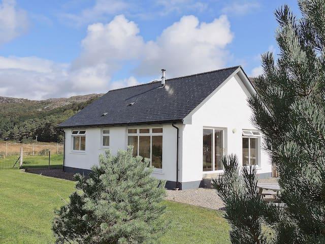 Riverview Cottage (W43248)