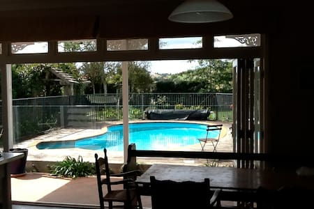 Gorgeous renovated villa in stunning Clevedon. - Auckland - Huis