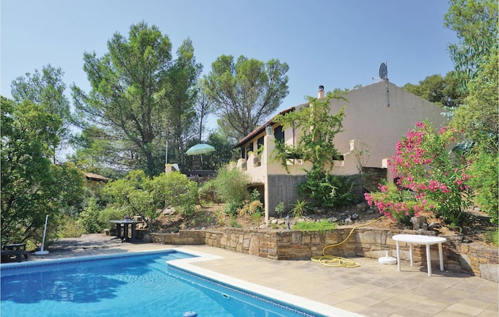 Holiday cottage with 2 bedrooms on 95m² in Prades sur Vernazobre