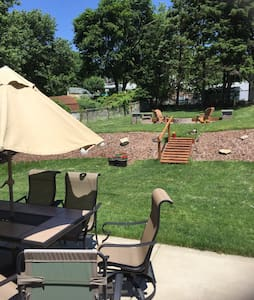 Private home available Pitt suburbs - Pittsburgh - Casa