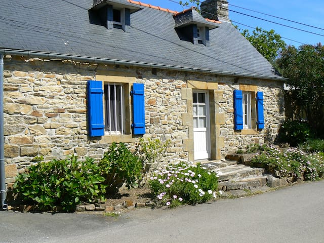 Maison de pêcheurs avec jardin clos - Crozon - House